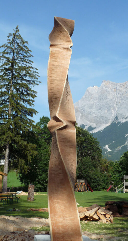 Stele laerchenholz sebastian rainer skulptur