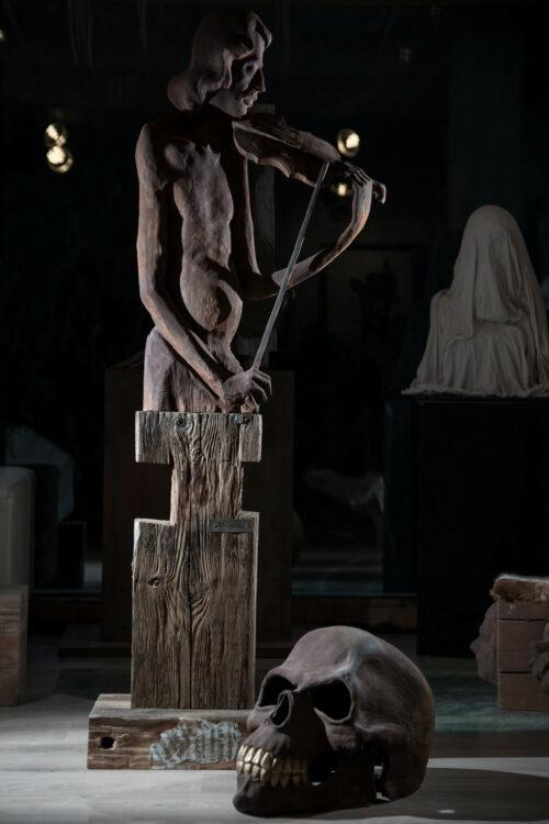 Strauss spiel michael lang skulptur